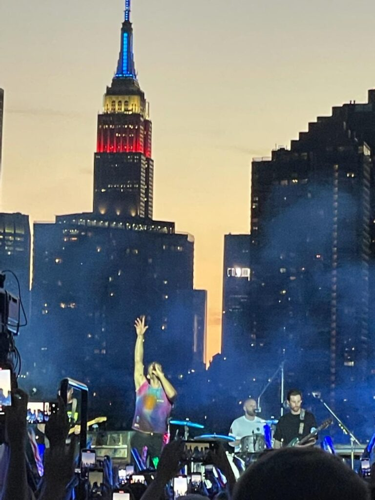 Coldplay live in Long Island City